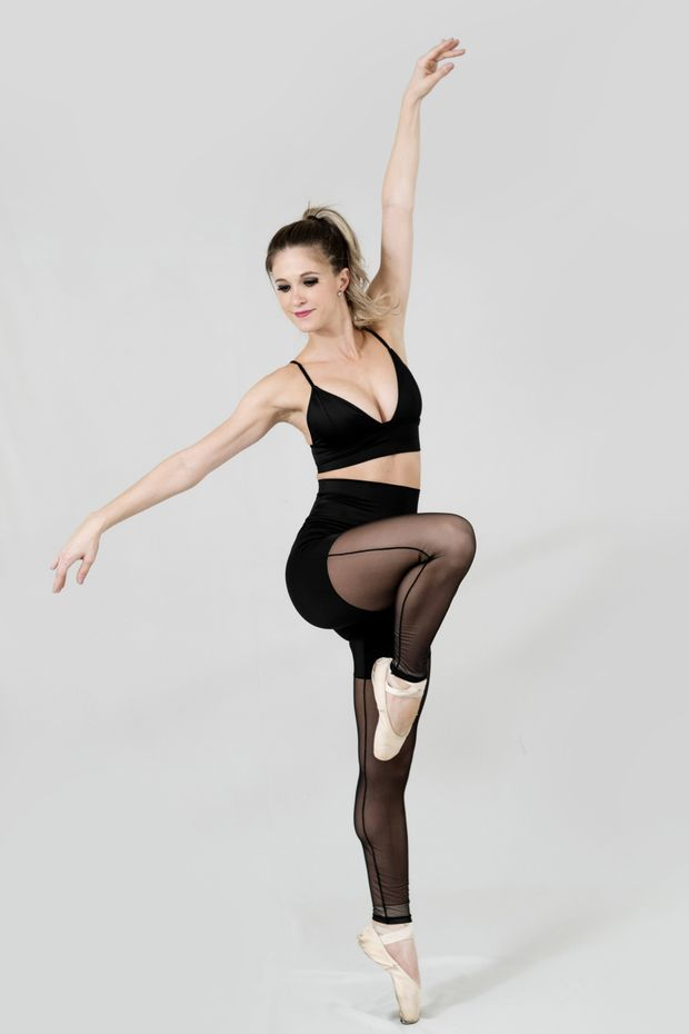 Legging_Pose_Lateral